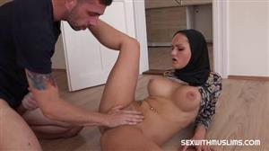 sexwithmuslims-18-09-07-barbara-bieber-has-no-money-czech.jpg