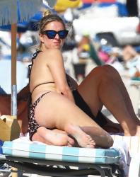 nicky-hilton-wearing-a-bikini-at-miami-beach-120714-2.jpg