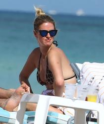 nicky-hilton-wearing-a-bikini-at-miami-beach-120714-10.jpg