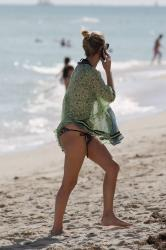 nicky-hilton-wearing-a-bikini-at-miami-beach-120714-11.jpg