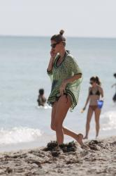 nicky-hilton-wearing-a-bikini-at-miami-beach-120714-14.jpg