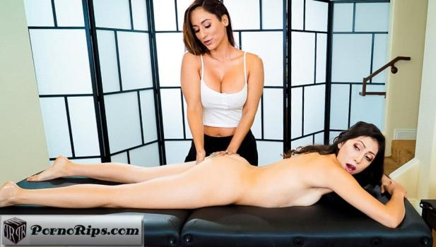 trickyspa-18-09-12-reena-sky-and-judy-jolie-last-minute-switch.jpg