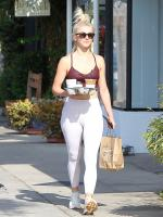 picturepub-julianne-hough-001.jpg