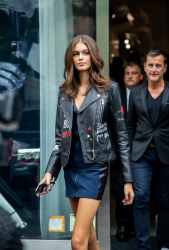 kaia-gerber-karl-lagerfeld-x-kaia-launch-in-nyc-91218-4.png