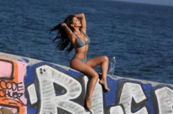 melissa-riso-in-bikini_-138-water-06-662x441.jpg