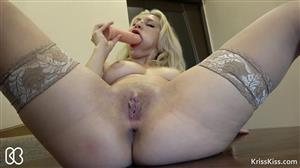 krisskiss-17-10-09-horny-blonde-play-with-big-dildo-and-squirting-orgasm.jpg