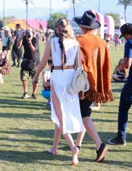 gigi-hadid-2015-coachella-music-festival-weekend-oneday-three-41215-4.jpg