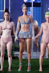 bella-hadid-savage-x-fenty-lingerie-fashion-show-in-nyc-91218-5.jpg