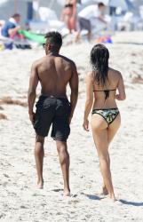 shanina-shaik-on-the-beach-in-miami-fl-6162015-5.jpg