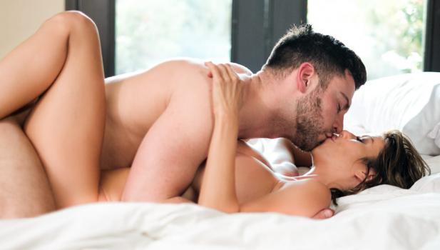 eroticax180919alexisfawxrighttothepoint.jpg