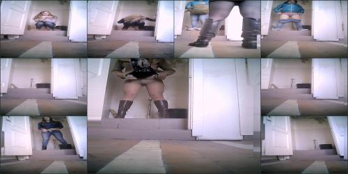 Real_women_pee_in_toilet_secret_cam_video_20
