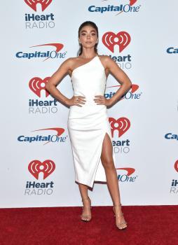 Sarah Hyland - iHeartRadio Music Festival in Las Vegas 9/21/18j6r6kuqri0.jpg
