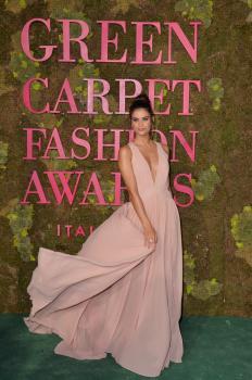 Sara-Sampaio-Green-Carpet-Fashion-Awards-in-Milan-9%2F23%2F18-m6r7covzi1.jpg