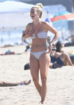Julianne Hough in a bikini at the beach Newport Beach 9/23/1826r7cnmidh.jpg
