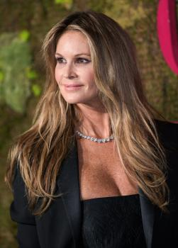 Elle Macpherson - Green Carpet Fashion Awards in Milan 9/23/18x6r7co463i.jpg