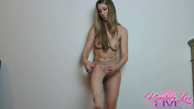 kimberleelive-18-09-17-pantyhose-teasing-and-ripping.png