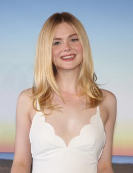 Elle Fanning - *Galveston* Photocall at Deauville American Film Festival 9/1 d6rf4phtgy.jpg