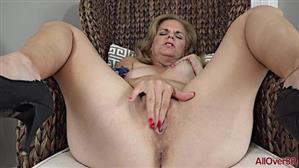 allover30-18-09-27-micky-lynn-mature-pleasure.jpg
