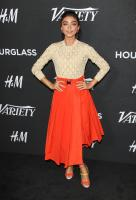 sarah-hyland-varietys-annual-power-of-young-hollywood-in-west-hollywood-82818-25.jpg