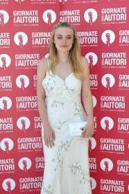 https://t23.pixhost.to/thumbs/50/80723983_dakota-fanning-2018-women-s-tales-photocall-119.jpg